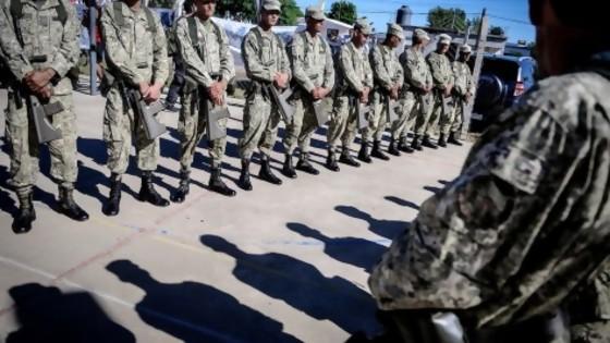 Tema militar: cuentas pendientes — Qué tiene la tarde — Más Temprano Que Tarde | El Espectador 810