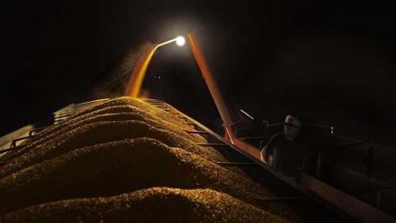Los transportistas y las gremiales agropecuarias suscribieron un aumento de 5% en las tarifas para la actual zafra — Audios — Dinámica Rural | El Espectador 810