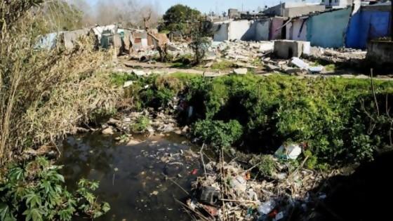 Entre 182 y 220 mil personas viven en asentamientos, según Techo — Informes — No Toquen Nada | El Espectador 810