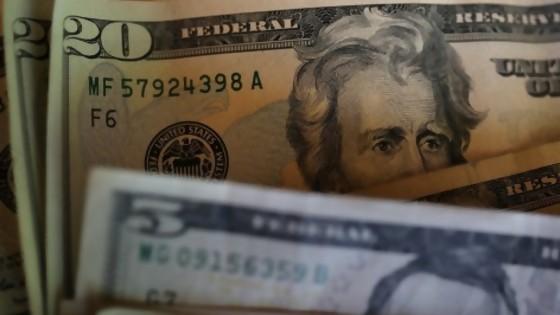Aumento del dólar: perdedores inmediatos y ganadores diferidos — Entrevistas — No Toquen Nada | El Espectador 810
