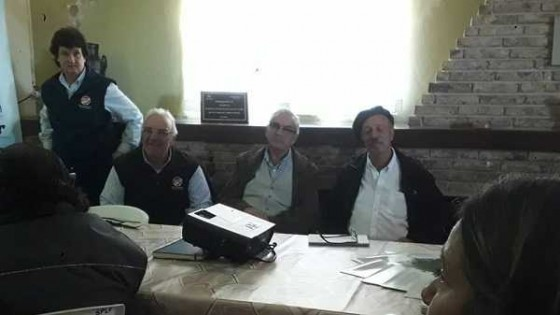 Benech visitó el campo de recría de la SPLF, donde destacó el sistema de riego y sus beneficios — Lechería — Dinámica Rural | El Espectador 810