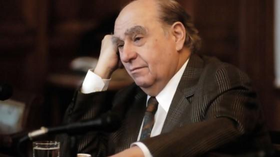 Sanguinetti se entera, en un minuto, de que lo apoya un ex vicepresidente de Alas U — MinutoNTN — No Toquen Nada | El Espectador 810