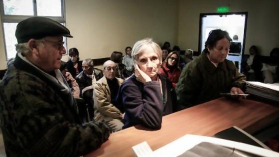 Las oficinas públicas en entredicho — L'Almacén de los males necesarios — Otro Elefante | El Espectador 810