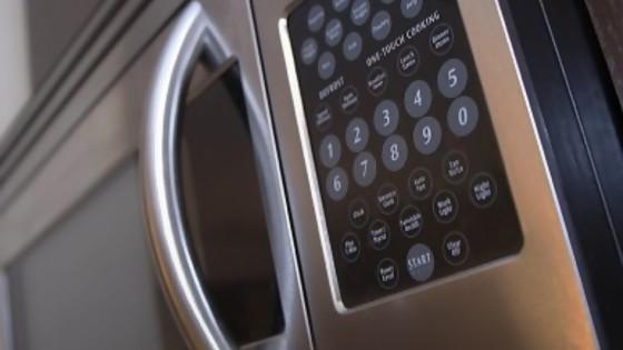 En el horno: la defensa del microondas de Leticia — Leticia Cicero — No Toquen Nada | El Espectador 810