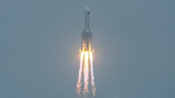 La descontrolada marcha de un cohete chino hacia la Tierra — Entrevistas — No Toquen Nada | El Espectador 810