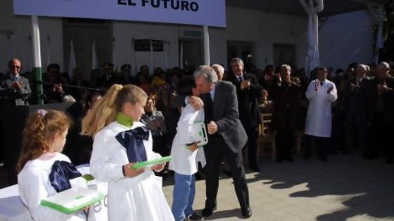 El día que empezó a haber una computadora para cada niño en Uruguay: Plan Ceibal 2007-2021 — La Entrevista — Más Temprano Que Tarde | El Espectador 810