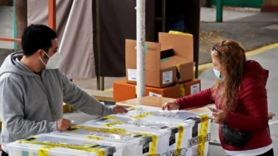 Los partidos tradicionales son los grandes derrotados en Chile — La Entrevista — Más Temprano Que Tarde | El Espectador 810