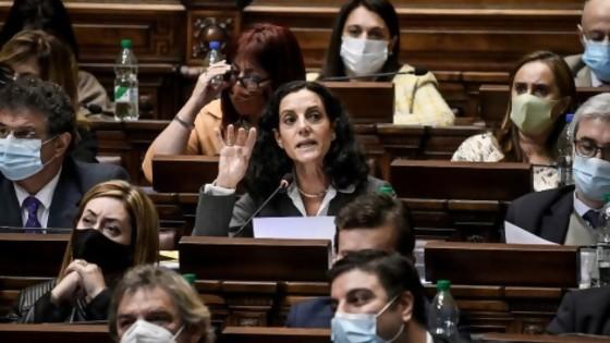 Las claves para entender la interpelación a la ministra de Economía Azucena Arbeleche — Cuestión política: Dr. Daniel Chasquetti — Más Temprano Que Tarde | El Espectador 810