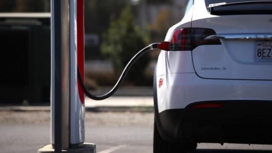 Europa pisa el acelerador hacia la movilidad eléctrica y a hidrógeno — Sebastián Fleitas — No Toquen Nada | El Espectador 810