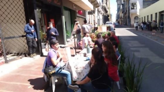El Colectivo Ciudad Abierta presentó el Park(ing) Day Montevideo. Un evento global para repensar el uso de los espacios — Qué tiene la tarde — Más Temprano Que Tarde | El Espectador 810