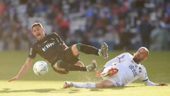 Wanderers ayuda a los grandes y Nacional ganó de pelvis  — Darwin - Columna Deportiva — No Toquen Nada   El Espectador 810
