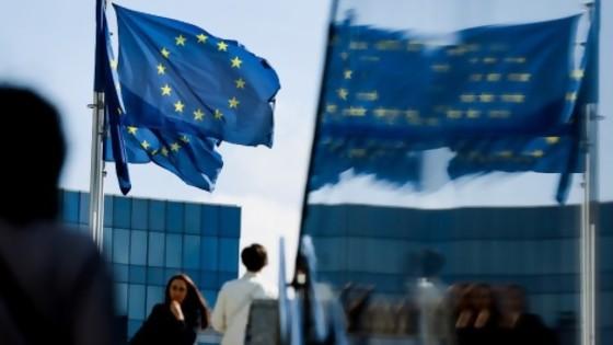 La lista gris de la UE, un lugar del que hay que salir muy lentamente, con la parsimonia que nos caracteriza — Columna de Darwin — No Toquen Nada | El Espectador 810