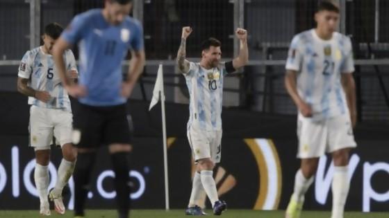 Anali del Argentina Uruguay — Darwin - Columna Deportiva — No Toquen Nada   El Espectador 810