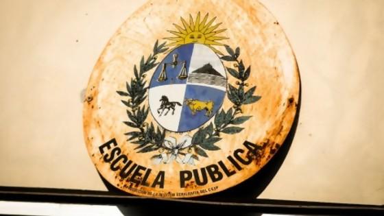 La crítica del protocolo de las maestras y el fin de semana de agresiones a Martínez — Columna de Darwin — No Toquen Nada | El Espectador 810