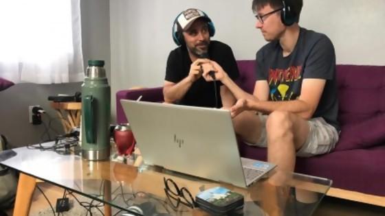 El lenguaje de Salva: De Podcast a Marching Bands — Audios — Otro Elefante | El Espectador 810