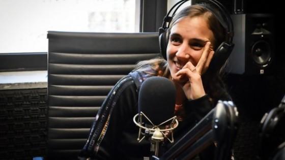 El monito de plástico y el primer beso de Nadia  — Audios — No Toquen Nada | El Espectador 810