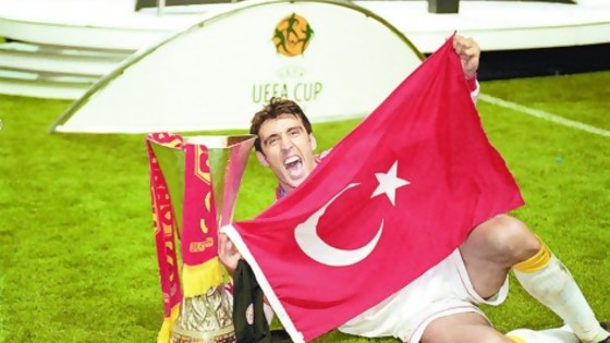 Hakan Şükür, el goleador en el exilio — Maxi Guerra — Otro Elefante | El Espectador 810
