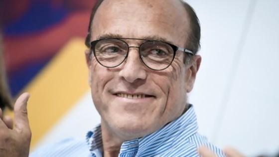 Martínez le puso paños femeninos a la campaña — Columna de Darwin — No Toquen Nada | El Espectador 810
