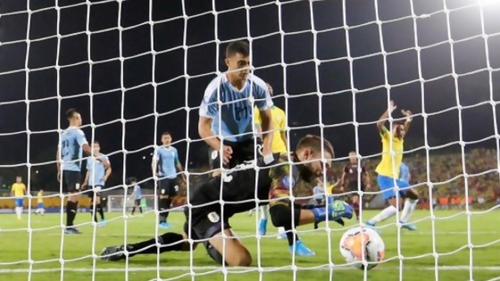 El anali de Darwin del gol que se hizo De Arruabarrena — Darwin - Columna Deportiva — No Toquen Nada | El Espectador 810