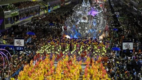 El Carnaval de las críticas y el silencio de Bolsonaro — Denise Mota — No Toquen Nada | El Espectador 810