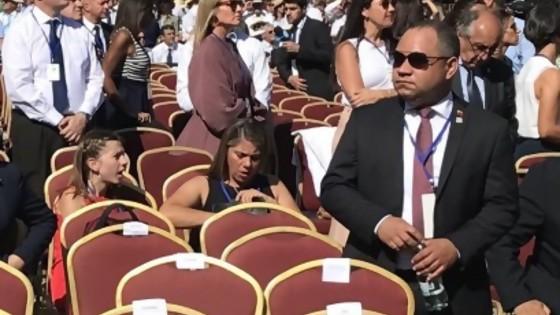 La ausencia de Maduro y el saludo de Delgado al embajador de Venezuela — Informes — No Toquen Nada | El Espectador 810