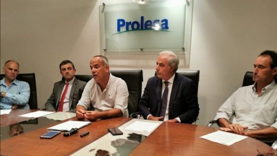 Conaprole y Prolesa distribuirán unos 20 millones de dólares por déficit hídrico — Ganadería — Dinámica Rural | El Espectador 810