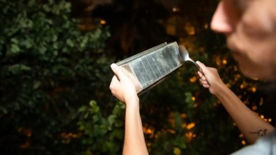 Darwin pide no confundir caceroleo con caerolaje y da instrucciones — Columna de Darwin — No Toquen Nada | El Espectador 810