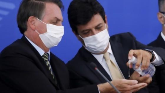 Bolsonaro y Mandetta: entre los cajones vacíos y el poder político del ministro — Denise Mota — No Toquen Nada | El Espectador 810
