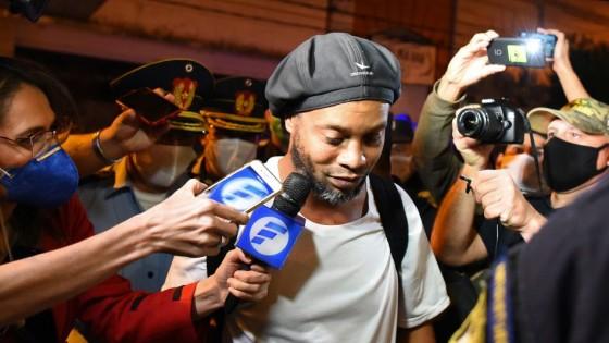 Ronaldinho pagó una millonaria fianza y le otorgaron la prisión domiciliaria en Paraguay — Deportes — Primera Mañana | El Espectador 810