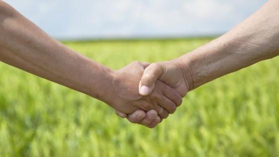 El campo donará 100 millones de dólares al fondo solidario — Economía — Dinámica Rural | El Espectador 810
