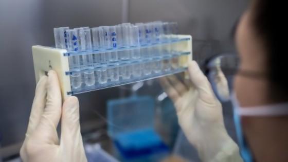 Traducción científica de los avances para la vacuna contra el covid — Gianfranco Grompone — No Toquen Nada | El Espectador 810