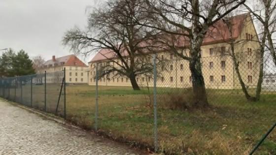 Viaje a los restos del monstruo: el campo de concentración de Sachehausen — Gabriel Quirici — No Toquen Nada | El Espectador 810