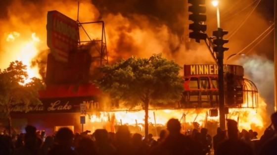 Violencia policial racista como problema estructural no resuelto en EEUU — Colaboradores del Exterior — No Toquen Nada | El Espectador 810