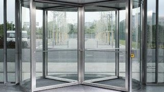 La puerta giratoria del amor — El mostrador — Bien Igual | El Espectador 810