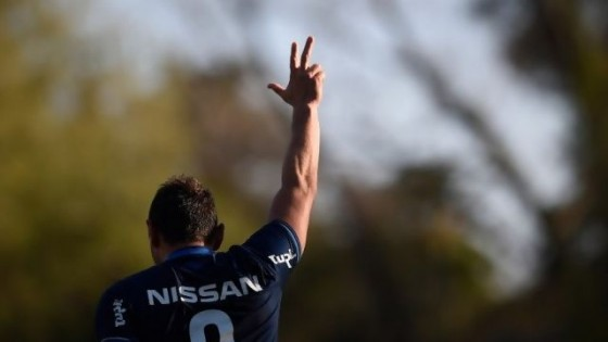 Bergessio hizo tres y Nacional logró su primera victoria — Deportes — Primera Mañana | El Espectador 810