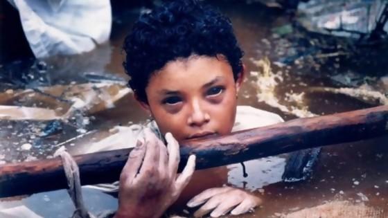 Omayra Sánchez, la niña colombiana víctima del volcán y de la negligencia — Leo Barizzoni — No Toquen Nada | El Espectador 810