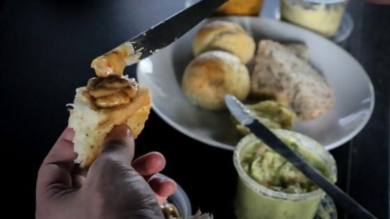 Pan para hoy, dips para la eternidad  — Las recetas de Sofi — Bien Igual | El Espectador 810