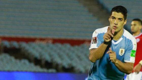 Uruguay debutó en las Eliminatorias con un triunfo agónico ante Chile — Deportes — Primera Mañana | El Espectador 810