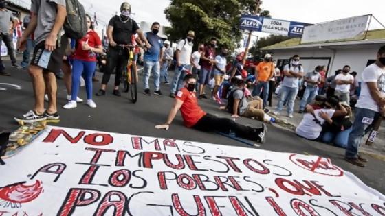 Costa Rica: la pandemia desestabiliza al gobierno — La Entrevista — Más Temprano Que Tarde | El Espectador 810
