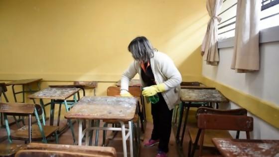 La mitad de clases en el liceo de Minas por 30 centímetros de protocolo  — Entrevistas — No Toquen Nada | El Espectador 810