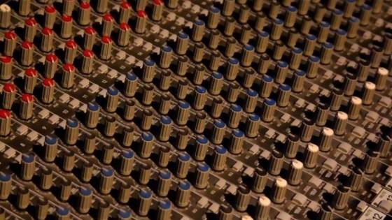 3 millones de perillas — El mostrador — Bien Igual | El Espectador 810