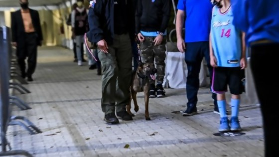 El Peñarol de Larriera y los perros que huelen Covid en  la NBA — Darwin - Columna Deportiva — No Toquen Nada   El Espectador 810