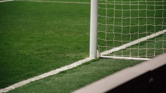 El fútbol es el 4to negocio en el mundo, y los jugadores y entrenadores terminan siendo un producto de consumo — La Entrevista — Más Temprano Que Tarde | El Espectador 810