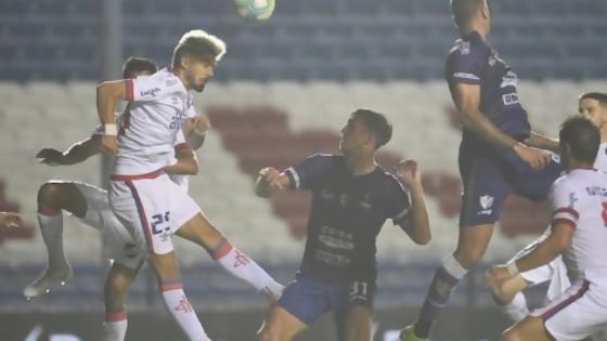 Darwin indignado con la prohibición de cabezazos en el fútbol — Darwin - Columna Deportiva — No Toquen Nada   El Espectador 810