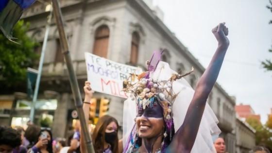 El Peñarol del quinquenio (feminismo según Darwin) y la rimera columna del ciclo de religión 2021 — NTN Concentrado — No Toquen Nada   El Espectador 810