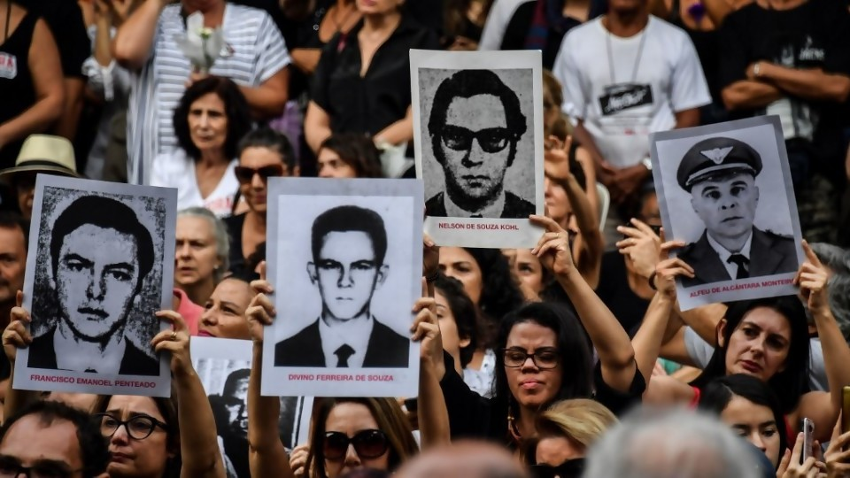 """La dictadura en Brasil y la percepción """"favorable"""" de los jóvenes —  Gabriel Quirici — No Toquen Nada   El Espectador 810"""