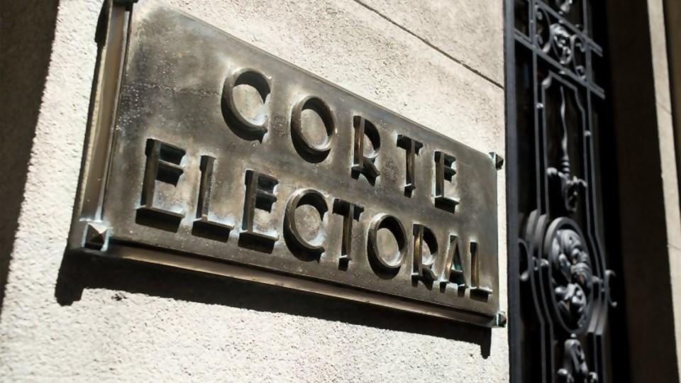 """José Ignacio Korzeniak: """"el artículo quinto de las elecciones municipales podría ser reconsiderado"""" —  Entrevistas — Al Día 810   El Espectador 810"""
