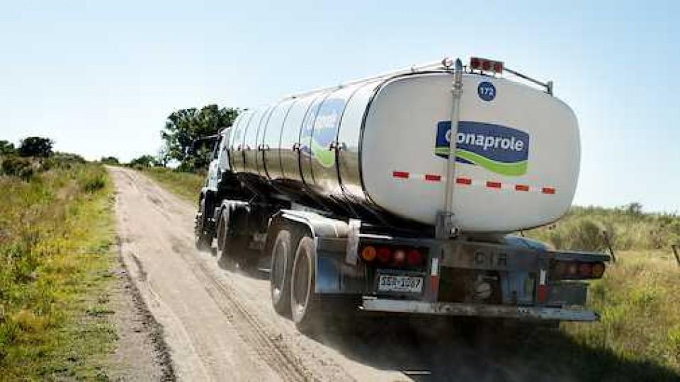 La ANPL se reunió con el directorio de Conaprole para analizar la situación actual de la lechería —  Lechería — Dinámica Rural | El Espectador 810