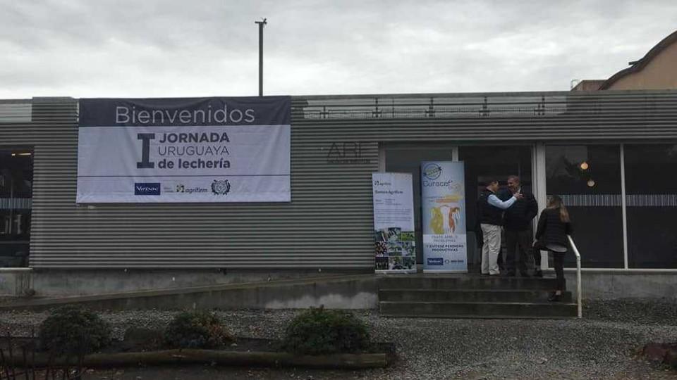 La Primera Jornada Nacional de Lechería brinda apoyo al productor lechero en su toma de decisiones —  Lechería — Dinámica Rural | El Espectador 810