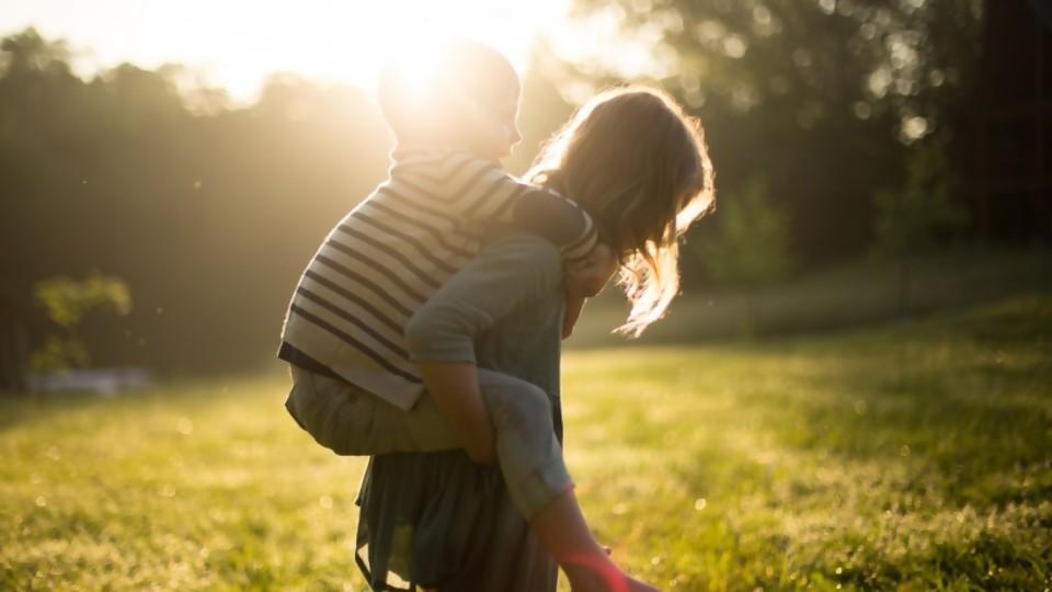 ¿Somos demostrativos con nuestros afectos? —  El mostrador — Bien Igual   El Espectador 810